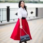 Must have: красная юбка покороче