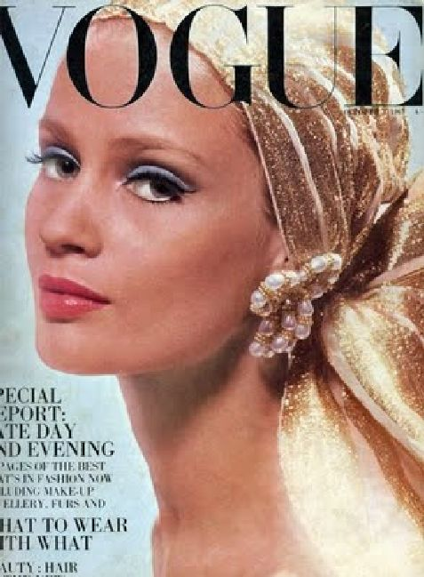 resized_Vogue cover October 1962