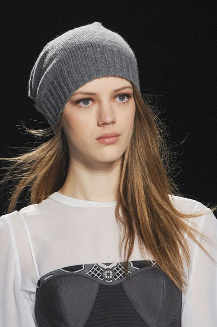 1377767640_womens_fashion_hats_autumn_winter_2013_2014_09