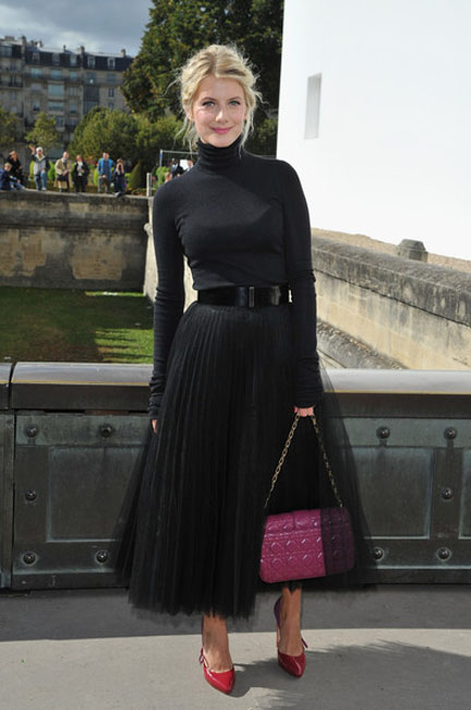 melanie-laurent-and-christian-dior-miss-dior-bag-gallery
