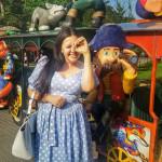 Голубое платье в горох