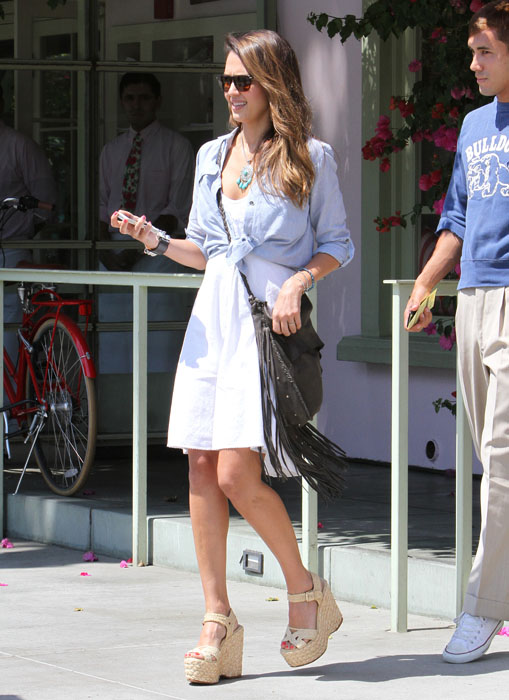 50861206 Actress and mother Jessica Alba was spotted having lunch with a friend at Ivy in before heading back to her office in Santa Monica, California on August 17, 2012. Actress and mother Jessica Alba was spotted having lunch with a friend at Ivy in before heading back to her office in Santa Monica, California on August 17, 2012. FameFlynet, Inc - Beverly Hills, CA, USA - +1 (818) 307-4813