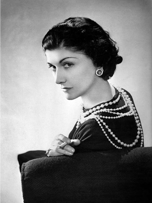 FRANCE - CIRCA 1936:  Coco Chanel, French couturier. Paris, 1936 LIP-28371.  (Photo by Lipnitzki/Roger Viollet/Getty Images)