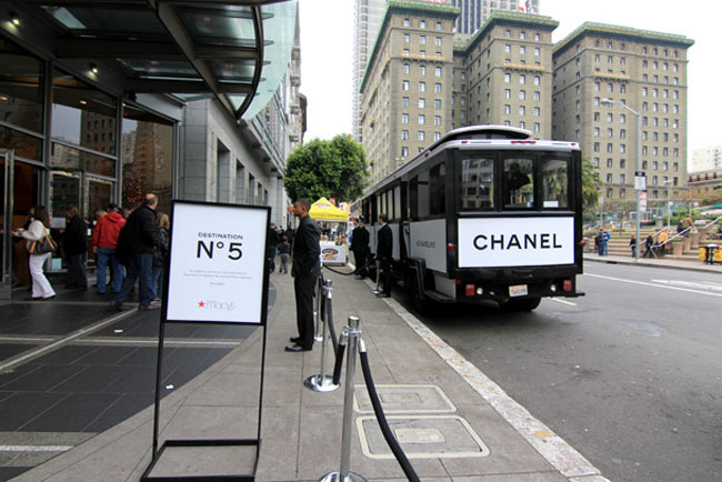 chanel-no-5-trolley-front