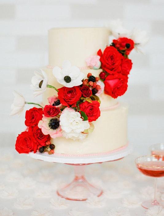 red_cascading_flower_cake_1024x1024