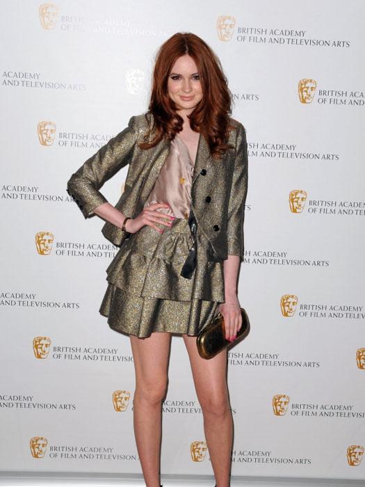 2bronzekaren_gillan_bronze_dress_suit
